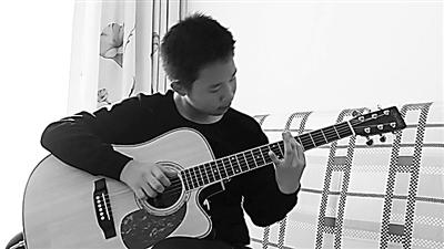 """13岁白银""""网红""""吉他少年:我只是有点音乐天分而已"""