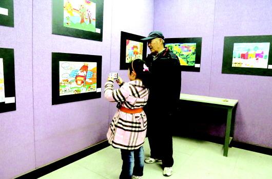 """""""中国梦家乡美·我眼中的美丽天水""""2017首届天水少儿画展开展"""