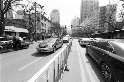交通优化首日 兰州白银路高峰期畅通多了(图)