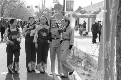酒泉金塔镇金杏庄园景点的乡村导游(图)