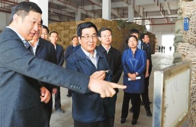 问计县域经济发展 ——甘肃省委书记林铎在陇西县调研侧记(图)
