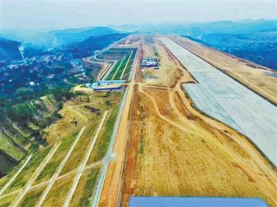 陇南机场航站楼封顶预计年底投运(图)