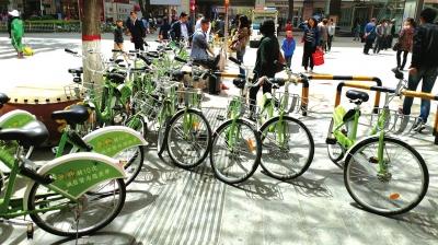 共享单车乱象丛生 兰州市民呼吁赶快规范