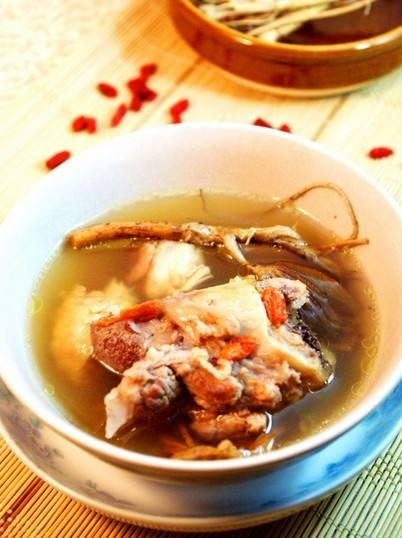 解热生津 推荐粉葛赤小豆煲猪肝瘦肉汤
