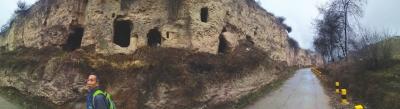 兰州市阿干河人文化历史馆组织各方人员探察阿干古道(图)