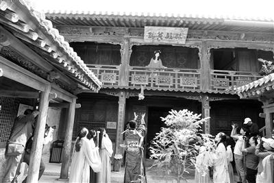 天水民俗博物馆举办传统婚俗展演(图)