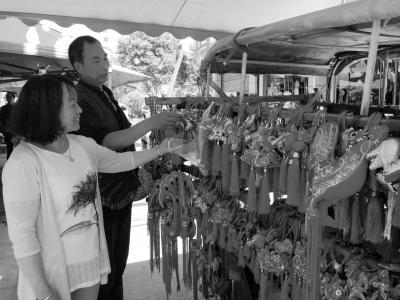 端午节临近 陇南徽县街头巷尾洋溢着浓浓的传统节日味道(图)