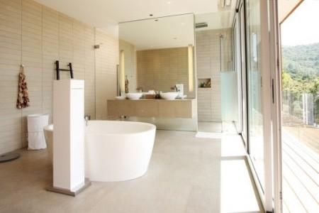 清凉一夏 看多款卫生间装修设计