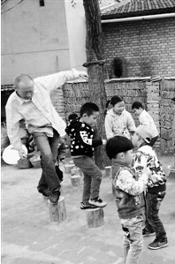 """乡村""""百姓幼儿园""""——天水秦安一名研究生胡建强的抉择和坚守(图)"""