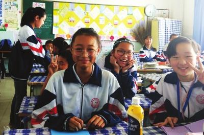 兰州榆中九中钱思彤放学途中捡到3800元 父女俩想方设法完璧归赵(图)