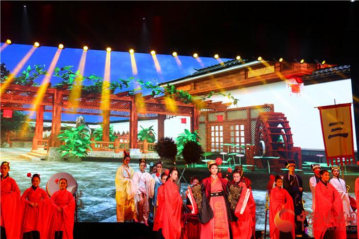 甘肃中华职业教育社《国学礼仪文化进校园》首演 演绎中国传统之美(组图)