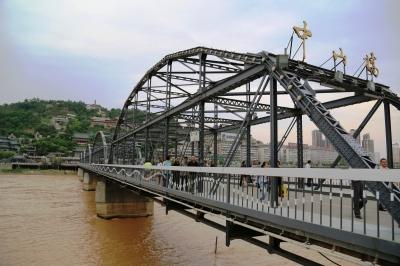 百年黄河铁桥架起中德友谊桥(图)