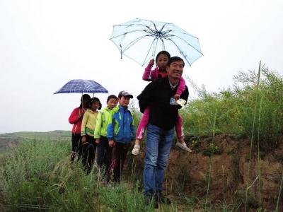 为了孩子们,他也是拼了——记天水武山县干树小学代课教师马保山