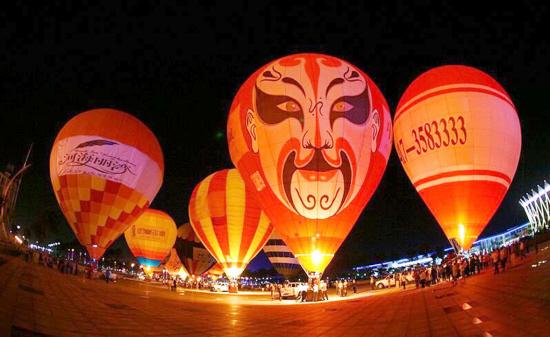 中国热气球俱乐部联赛在兰州市安宁区举办(图)