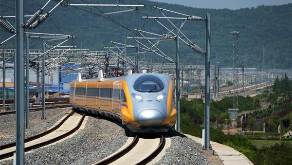 《今日聚焦-甘肃》 宝兰高铁通车 西北全面进入高铁时代