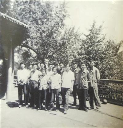 兰州十一中1957级三(2)班学生 您的老同学找您相聚60年校庆