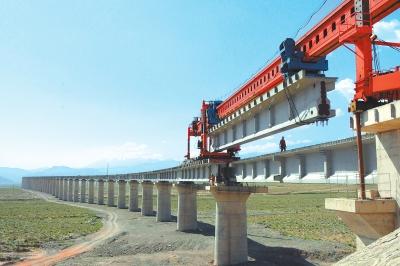 敦格铁路肃北2号特大桥建成(图)