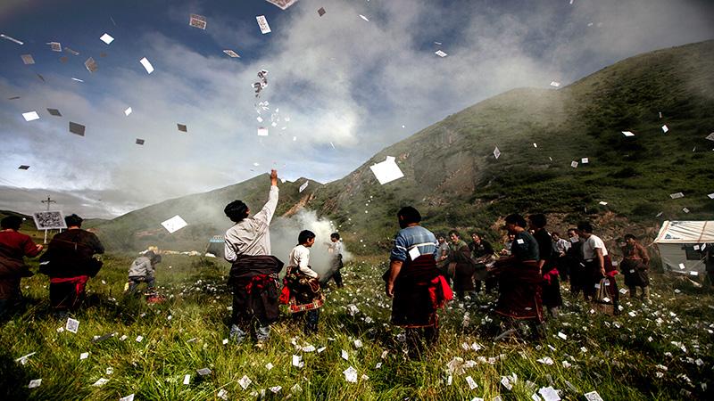 格萨尔赛马节暨玛曲第四届牦牛藏羊藏獒展示评比大赛在甘南玛曲开幕