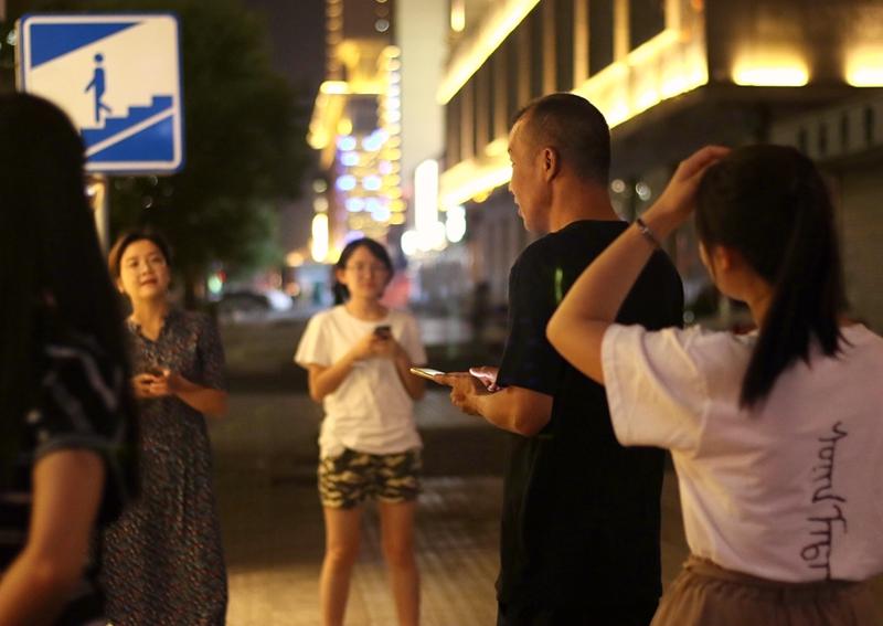 【新闻学子重走西北角】走西北活动 包头夜游课堂