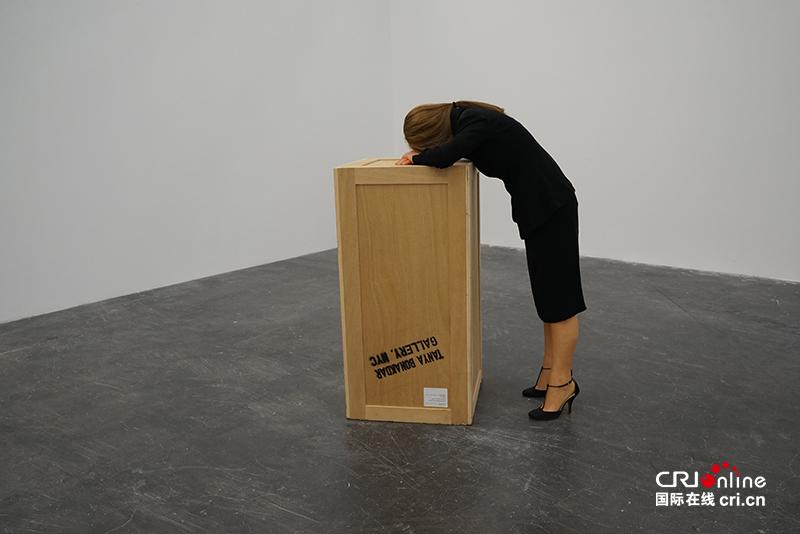 人大小,木材、钢印刻字、腊、头发、布料、鞋子、聚苯乙烯,2004图片