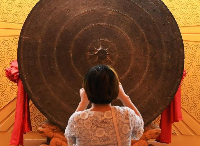 探秘世界考古史上最大铜鼓 重约300公斤