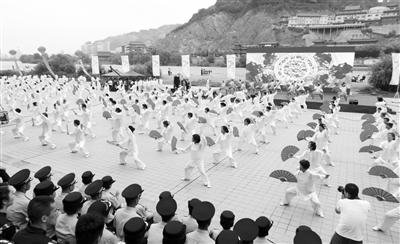 甘肃举行反邪教集中宣传月活动 五千志愿者宣誓