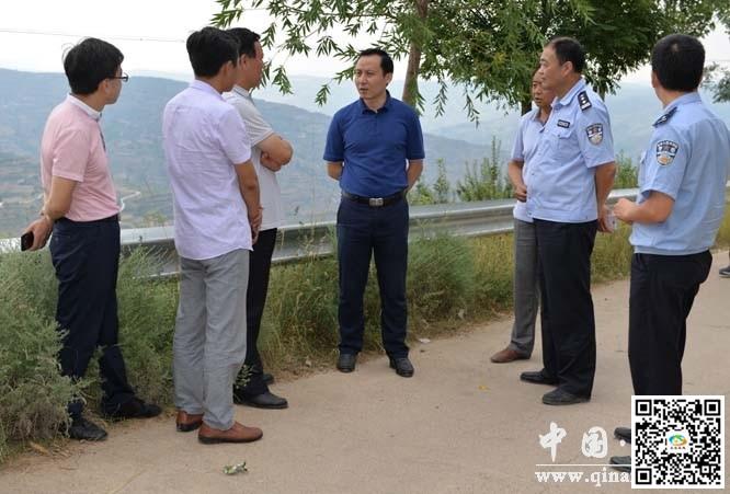 天水秦安县副县长张海龙检查道路交通安全管理工作(图)