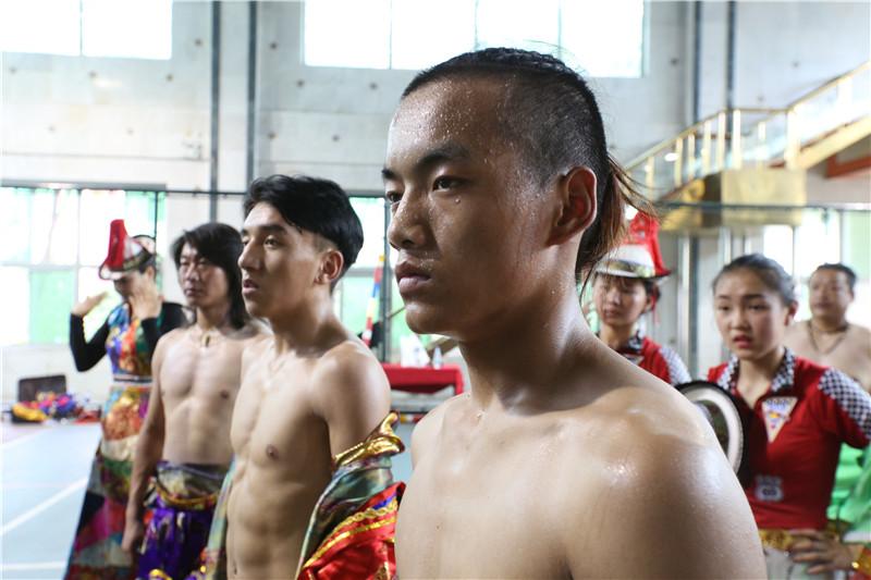 《魅力中国城》张掖战队顺利抵京紧张备战