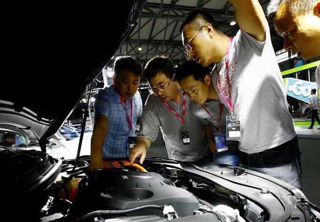 2017全球新能源汽车大会未来汽车展在沪举行