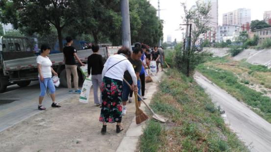 天水向阳社区开展环保卫生清理大整治