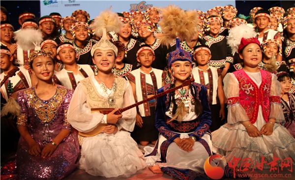 """全国少数民族青少年在酒泉阿克塞县分享""""音乐盛宴""""(组图)"""
