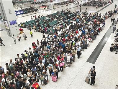 宝兰高铁开通30天发送旅客百万(图)