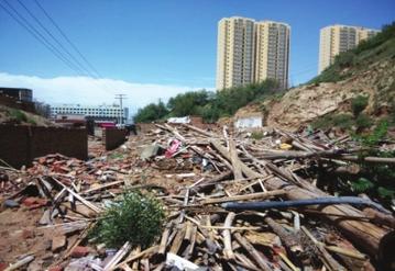 兰州市馒头山沟底违建重起 龚家湾路沿线环境亟待整治