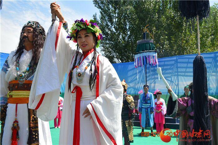 穿越千古时空 义渠王与芈月在宁县荷花池有场浪漫婚礼(组图)