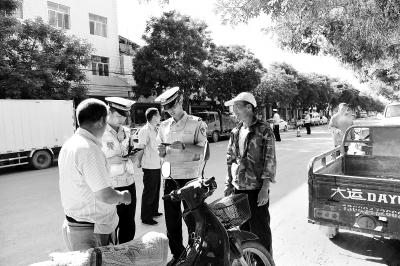 甘肃:重拳出击 为农村交通安全护航(图)