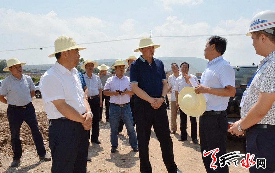 天水市委常委、常务副市长赵卫东督察天水市重点交通项目建设情况
