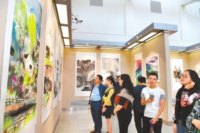 张掖书画名家作品晋京展(兰州展)在省美术馆举行