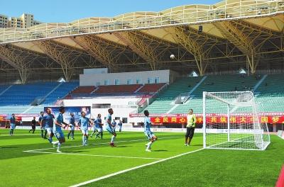 甘肃省第四届业余足球冠军争霸赛在临夏市开赛