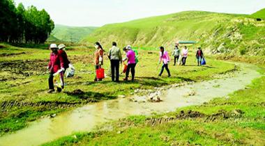 甘南临潭县古战乡坚持把环境卫生整治作为中心工作来抓