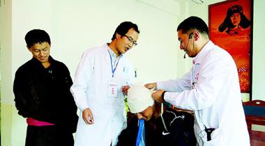 """甘南卓尼县开展""""红十字会普及性应急救护培训""""进校园活动"""