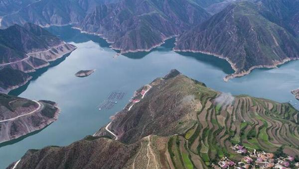 甘肃九甸峡风景如画