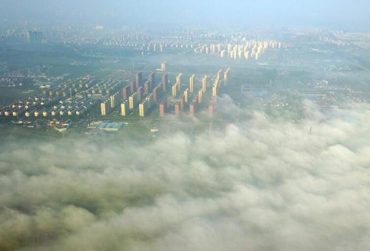 古城扬州现平流雾 城市笼罩其中宛如仙境