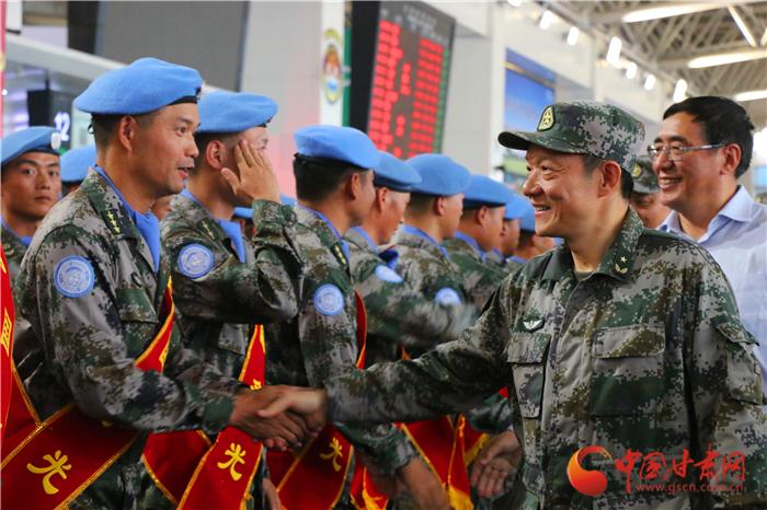 中国第21批赴刚果(金)维和部队从兰州出征(组图)