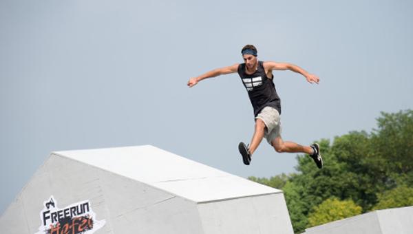 德国极限跑者凯在兰州传播体育文化