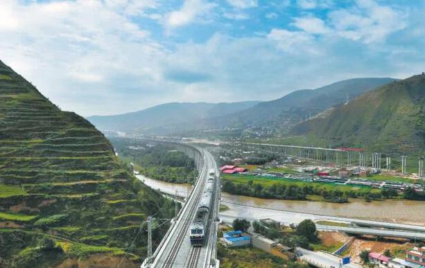 兰渝铁路全线开通运营进入倒计时 夏官营至岷县段验收