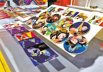 甘肃文创企业借力文博会展示自己实力—— 希望全世界都认识 我们本土文化创意产品