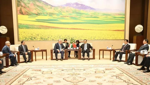周强会见出席丝绸之路(敦煌)司法合作国际论坛部分国家代表团 林铎参加会见