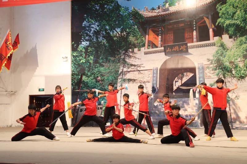 甘肃媒体行记者团探访崆峒文武学校 看传承带来的魅力