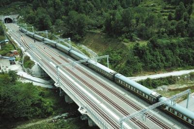 世纪铁路一朝圆梦 兰渝铁路即将全线贯通(图)