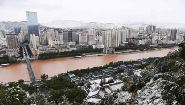 甘肃省大部出现降水降温天气 多地雨雪交加气温骤降10℃左右